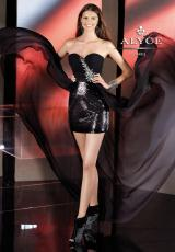 BDazzle 35547.  Available in Black, Ivory, Red, Turquoise