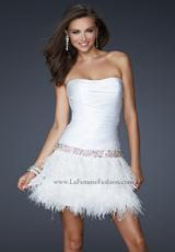 La Femme Short 17152.  Available in White