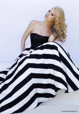Sherri Hill 32217.  Available in Black/White