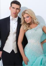 Tony Bowls Evenings TBE11439.  Available in Champagne, Coral, Light Green