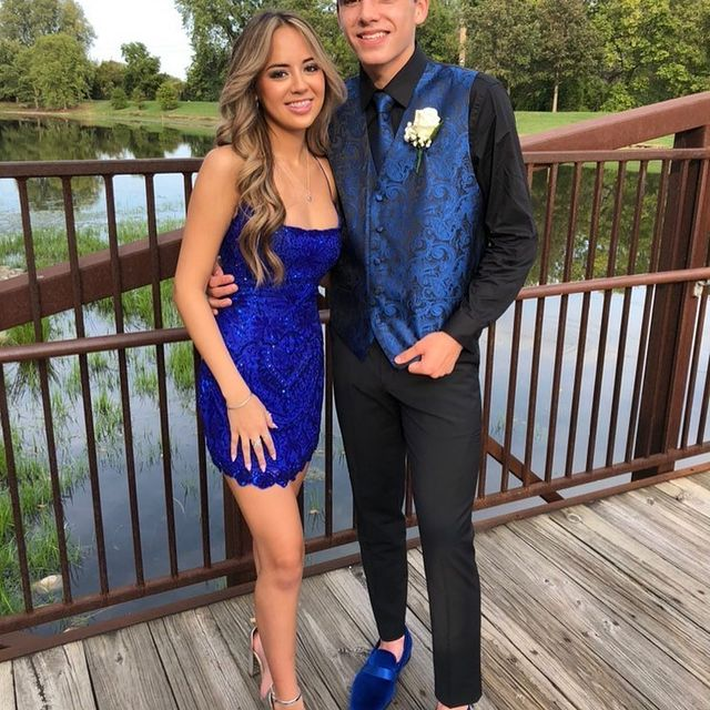 Ella makes blue look super cool! ???? thank you for letting us share @ellaa.deguzman ?? keep tagging us in your hoco pictures.  We love seeing our customers in their dresses from Peaches ? #peaches #peachesboutique #homecoming #weloveourcustomers #rachelaallan #fashion #dresses #love #dress #homecomingdress @ellaa.deguzman @rachelallan