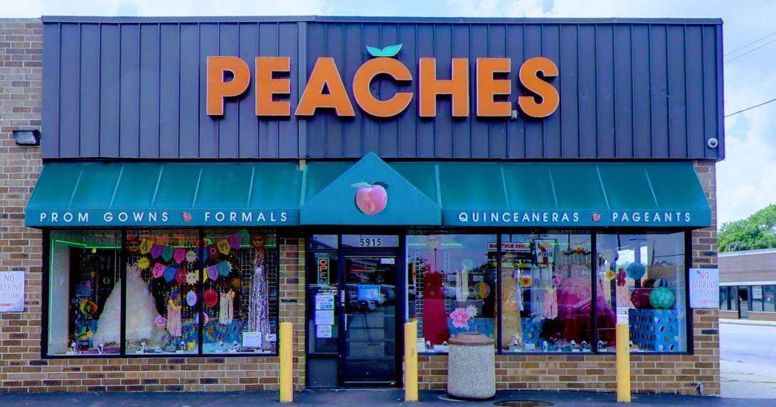 Peaches Boutique Chicago storefront
