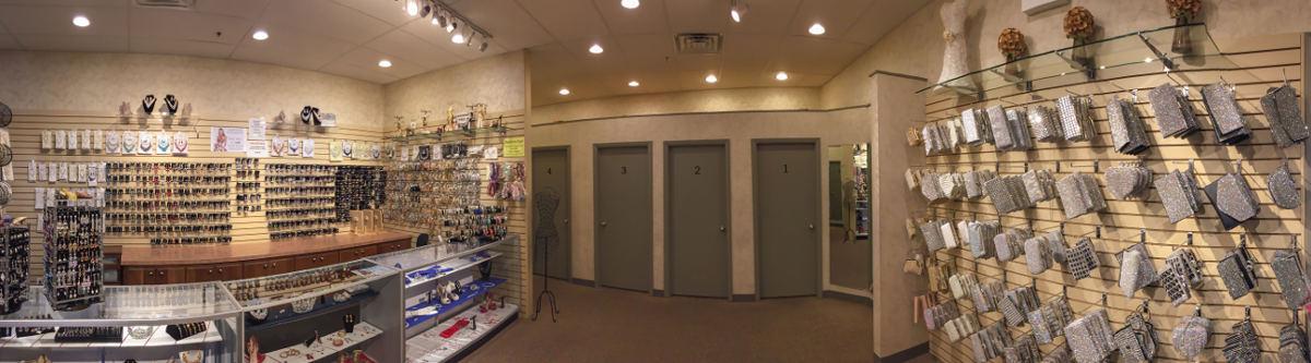 Peaches accessory room